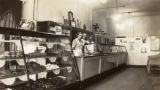 Photographs - - 1940 - - Interior of the Hollywood Maid Bakery.