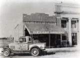 Photographs - - 1930s - - T & T Cash Grocery, Dania Beach.